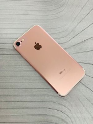 IPhone 7 (32 GB) Excellent Condition With Warranty for Sale in Arlington, MA