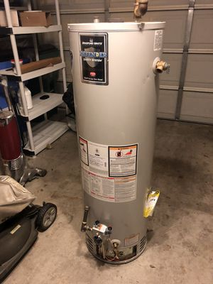 Used water heater, Not working for Sale in Pflugerville, TX