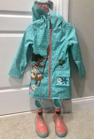 Disney Moana raincoat and rain boots set for Sale in Winter Garden, FL