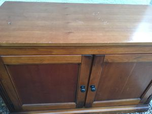Small chest with shelf for Sale in Avondale, AZ