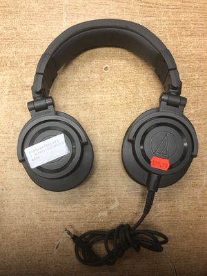 MINT Audio-Technica ATH-M50xGM Professional Studio Monitor Headphones, Gun Metal for Sale in Baltimore, MD