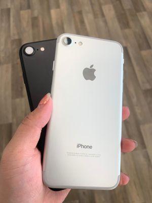 APPLE IPHONE 7 UNLOCKED for Sale in Seattle, WA