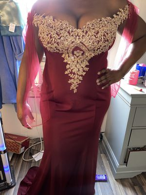 Burgundy and Gold prom dress for Sale in Detroit, MI