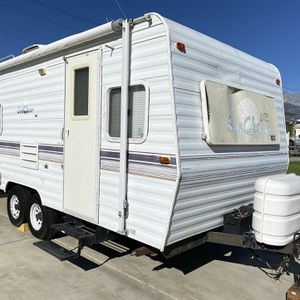 2002 Sun Chaser 20FT Travel Trailer for Sale in Rancho Cucamonga, CA