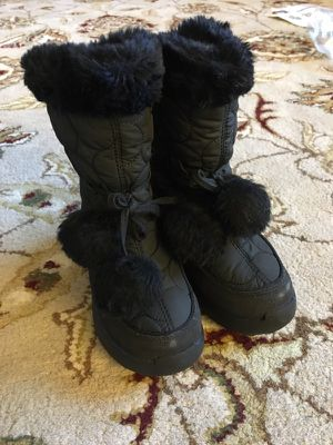 Kids Snow Boots Kamik size 11 for Sale in Agawam, MA