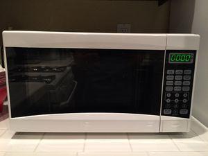 Mainstays 0.7 Cu. Ft. 700 Watt Microwave Oven for Sale in Vista, CA