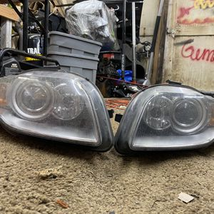 Audi B7 Headlight Bi-xenon for Sale in Everett, WA