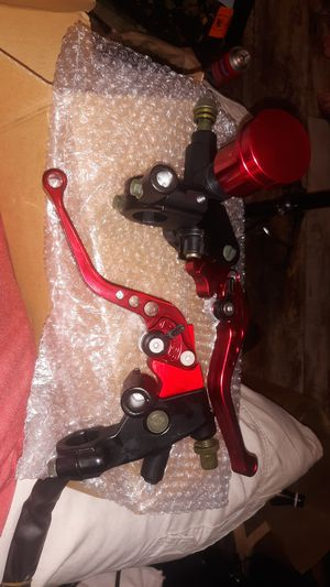 Brand new in the box clutch and brake levers with fluid reservoir for Sale in Chico, CA