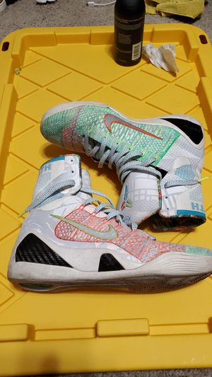 "Kobe 9 elite ""What The"" Sz 9 for Sale in Fresno, CA"