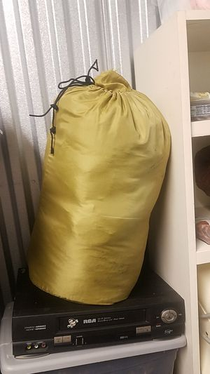 Very thick very warm sleeping bag for Sale in Miami, FL