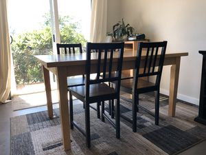 Kitchen table and 4 chairs for Sale in Bellevue, WA