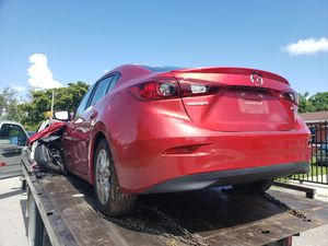 Mazda 3 for parts out 2015 for Sale in Miami, FL