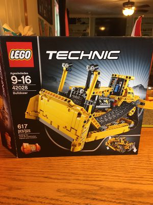 LEGO 2 in 1 bulldozer and trench digger for Sale in Westerville, OH