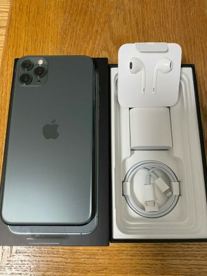 iPhone 11 pro max 64Gb Unlocked. for Sale in Queens, NY