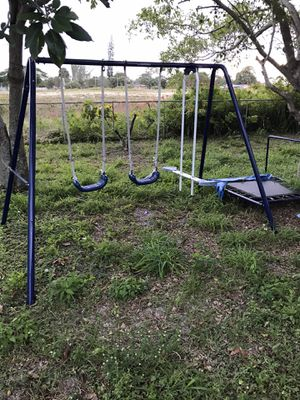 Used swing set for Sale in Boynton Beach, FL