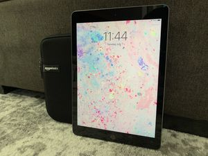 Apple iPad 6th generation - Wi-Fi 16GB - Space Gray for Sale in Seattle, WA