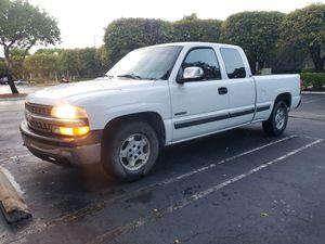 2000 chevy silverado 1500 5.3 2wd for Sale in Delray Beach, FL