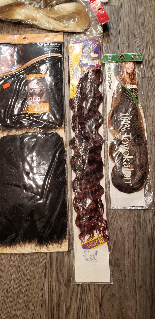 Valued over $80 with tax 🌱 Several packs of Hair Extensions all for just $30 💋 Firm Price