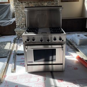 Stove Great Condition Nothing Wrong With It for Sale in Alexandria, VA