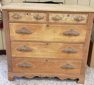 Antique Victorian Eastlake Large Dresser for Sale in Lorain, OH