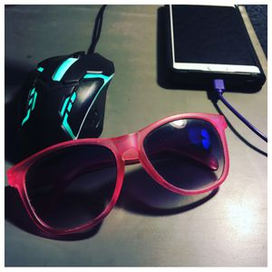 Pink sunglasses for Sale in McKinney, TX