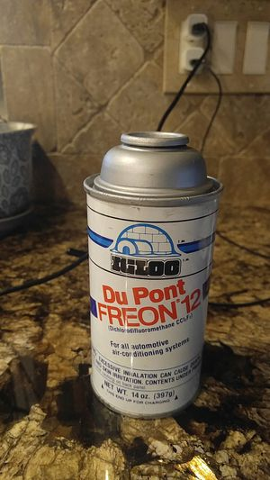 Dupont Freon 12 14 oz for Sale in Riverside, CA