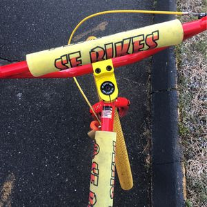 trades for 26 or 29bike only come to me today broken breaks and botom bracket for Sale in Monroe, CT