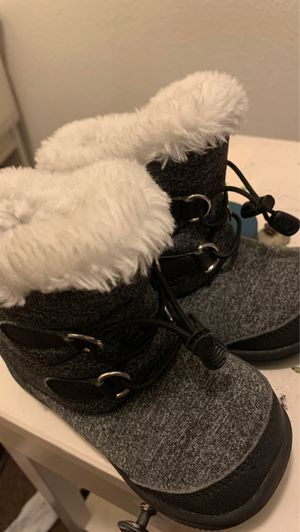 Brand new snow boots for Sale in Phoenix, AZ