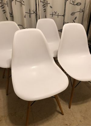 Four White Modern Chairs. Dining Chairs. for Sale in Odessa, FL
