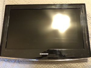 "Samsung 26"" Flatscreen Television, (No remote or base so can be hung on wall) all standard cable remotes such as Fios and Xfinity are compatible with for Sale in Columbia, MD"