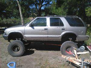Chevy s10 blazer 4x4 for Sale in Dade City, FL