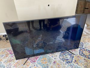 "Hisense 65"" Class 4K UHD LED Roku Smart TV HDR 65R6E1 for Sale in Dublin, CA"