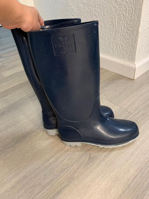 Rain Boots, size 7 - lightly used for Sale in Pompano Beach, FL