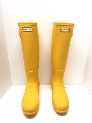 Woman's HUNTER Yellow Rain Boots Size 8 for Sale in Coachella, CA