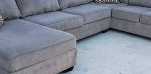 Three Piece Grey Sectional Couch Delivery Available for Sale in Norwalk,  CA