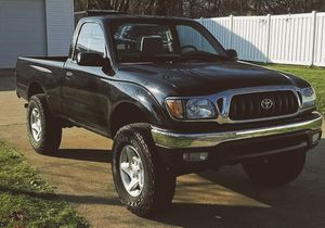 No rust Frame is super solid TOYOTA TACOMA 2001 for Sale in Seattle, WA
