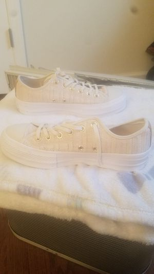 Converse sneakers for Sale in Toms River, NJ