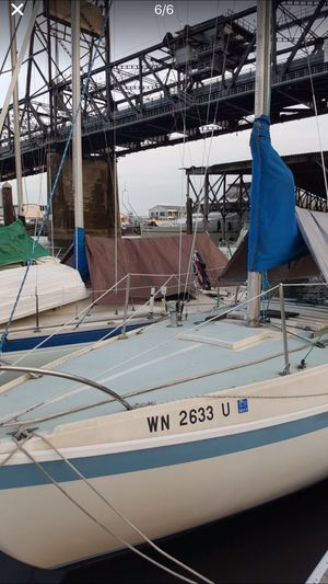 Cal Jensen SailBoat 25ft with with outboard motor- Sail Boat for sale for Sale in Tacoma, WA