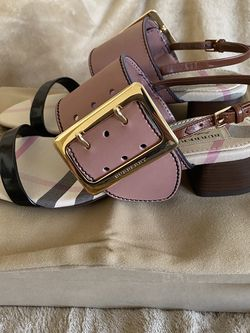 Burberry women trench Buckle Sawley Hc 35 Sandal size Europe 37 us size 7 for Sale in Chicago,  IL