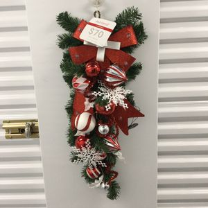 NWT Lighted Christmas Door Swag for Sale in Peabody, MA