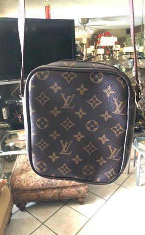 Louis Vuitton Cross Body Bag for Sale in Fresno, CA