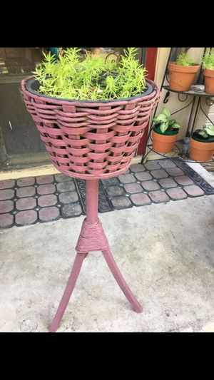 Planter stand with succulent plant $40 for Sale in Mesquite, TX