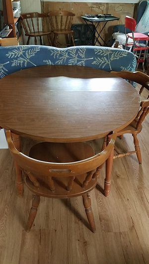 Colonial Style Table 4 Chairs for Sale in Monroe Township, NJ