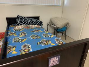 Bunk Bed (queen and full) with queen mattress for sale for Sale in Fremont, CA