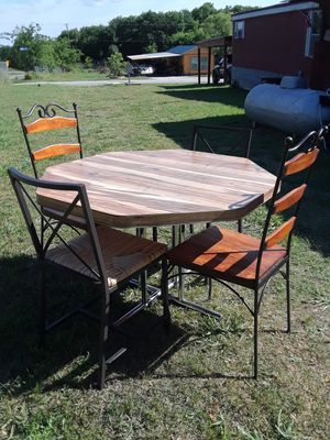 Table with 4 Chairs ( Table 45 x 45 29 height ) 100. for Sale in Princeton, TX