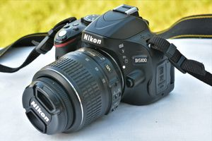 Nikon D5100 DSLR Camera W/AF-S Nikkor 18-55mm VR Lens for Sale in Ellicott City, MD