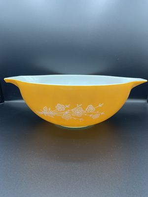 Vintage'Butterfly' Pyrex Bowl for Sale in Portland, OR