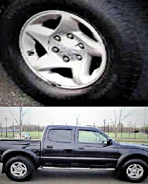 $1,4OO I'm selling urgentl 2OO4 Toyota Tacoma. for Sale in Sioux Falls, SD