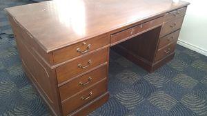 Free desk bring someone to load for Sale in Dallas, TX