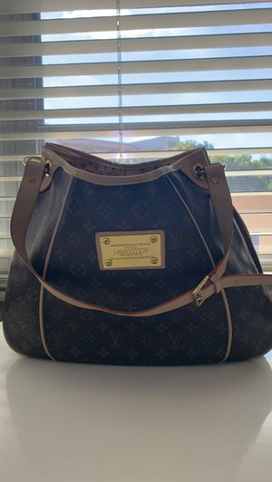 Authentic louis vuitton for Sale in Coral Springs, FL